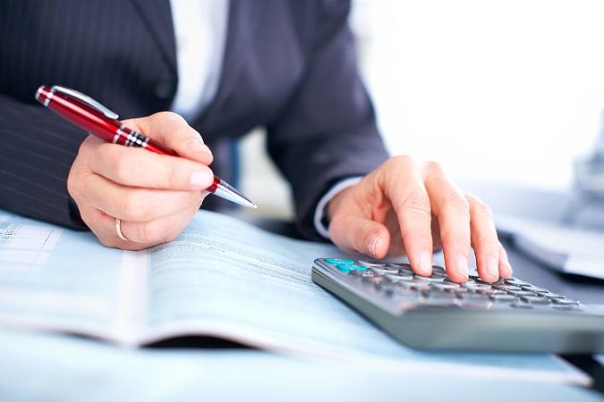 Die Höhe der Steuerabzüge bei einem Teilzeitgehalt richtet sich nach der Höhe, der Steuerklasse und den möglichen Freibeträgen. (#02)