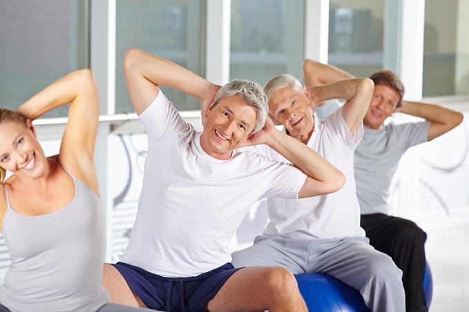 Für Rentner ist das Freizeitangebot in den letzten Jahrzehnten stark angewachsen. Sportvereine, Ferienanbieter und ähnliche Stellen sorgen dafür, dass das Leben im Ruhestand nicht langweilig wird. (#01)