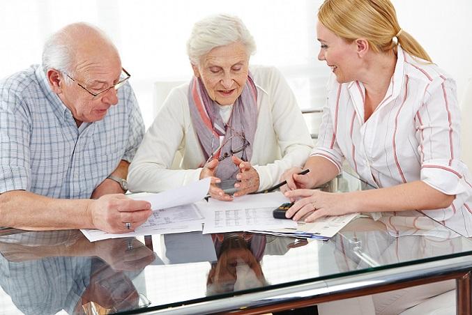 Riester Rente was wird versteuert, eine präzise Antwort ist nur möglich, wenn die weiteren Einkünfte im Rentenalter bekannt sind. Inzwischen erhöht sich auch der steuerpflichtige Teil der gesetzlichen Altersrente, sodass die Rentner in Zukunft möglicherweise noch mehr Steuern zahlen müssen.(#01)