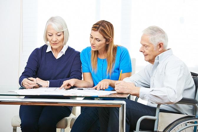 Von der Deutschen Rentenversicherung werden jährlich die Rentenprognosen bzw. Rentenauskünfte verschickt, allerdings sind die hier aufgeführten Daten oft nicht komplett. Wie Rente aufbessern, dieses Thema liefert auch nützliche Tipps, die Lücken im Lebenslauf zu prüfen und ggf. bestimmte Zeiten nachzumelden. (#01)