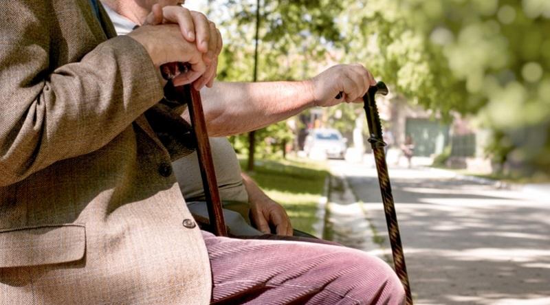 Die Erhaltung der Arbeitskraft, also die Vorsorge gegen Berufs- und Erwerbsunfähigkeit, ist ein weiterer Faktor, der Zuwächse bringt, denn die gesetzliche Erwerbsminderungsrente ist mehr oder weniger eine garantierte Fahrkarte in die Altersarmut. (#04)